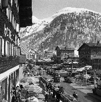 VAL D'ISERE - LE VILLAGE VU DE L'HOTEL DU DOME - retirage photo Machatschek (1952)