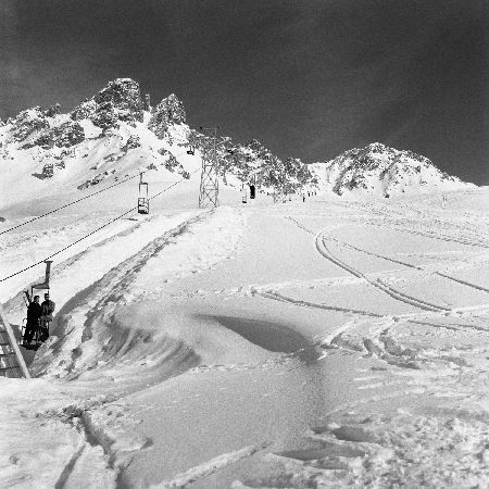 "MERIBEL - LES ""CASIERS A BOUTEILLES"" DE LA SAULIRE - retirage photo Machatschek (1955)"