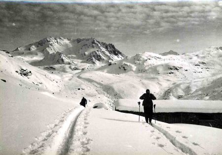 VALLEE DES BELLEVILLE, THORENS, PECLET (TARENTAISE) - lot de 25 photos originales (ca 1940)