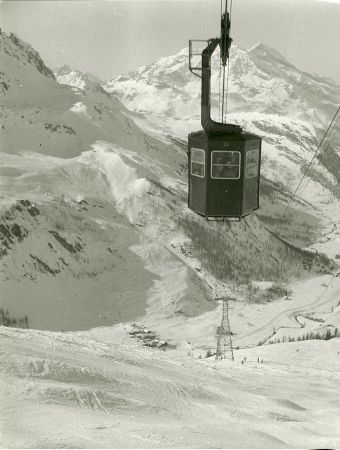 VAL D'ISERE, LE TELEPHERIQUE DE SOLAISE - photo originale (circa 1952)